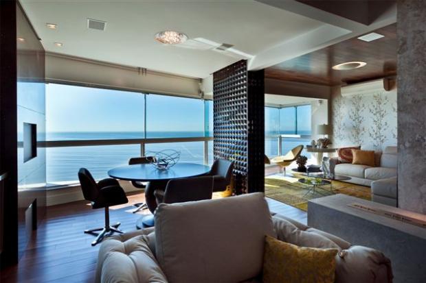 坐拥海景的客厅