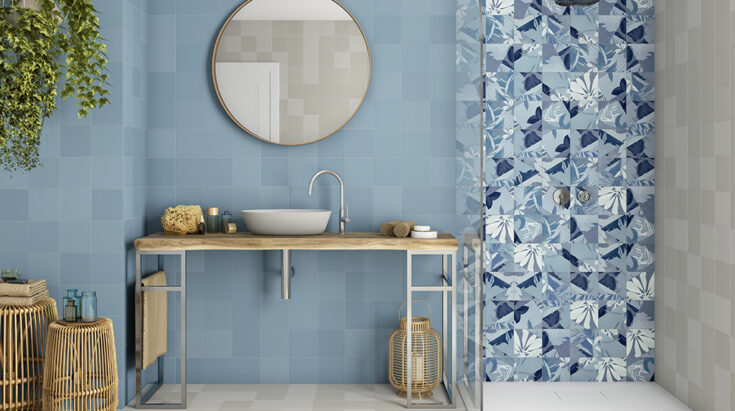 Combination of colored tiles for bathrooms